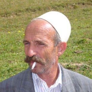 DWAJ BRACIA, TRZYDZIESTU TOWARZYSZY. Albańskie pieśni epickie